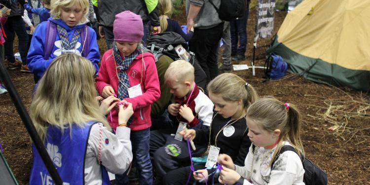 Speidere og andre barn på BCV